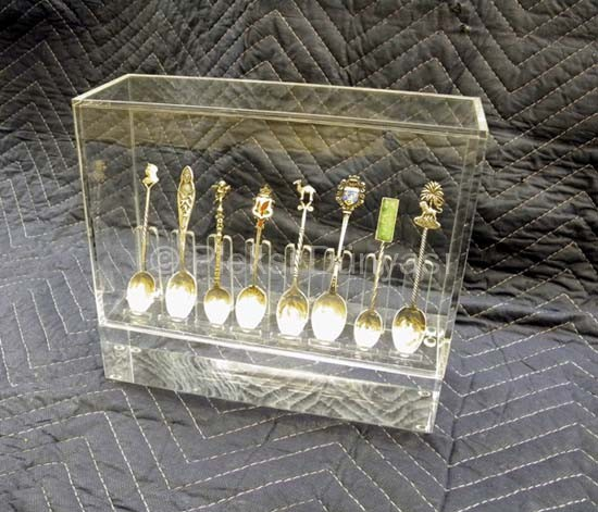 spoon display